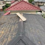 佐倉市にて雨漏りによる棟板金の応急処置
